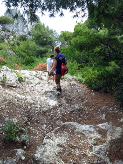 Hiking to Arco Naturale