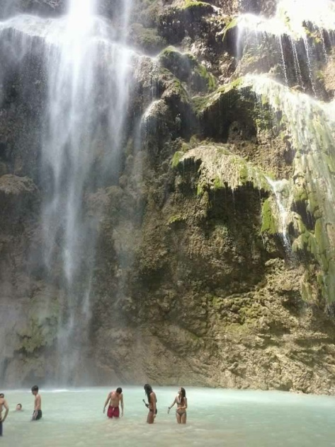 Ladies and gentlemen --- Tumalog Falls.