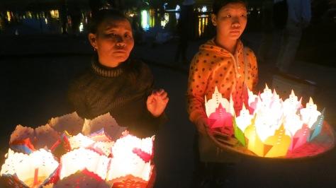 Hoi An Old Town Lanterns Women