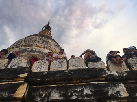 Sunset viewing at Shwe San Daw
