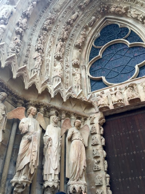 One of the many scenes in the facade of the Cathedral of Reims